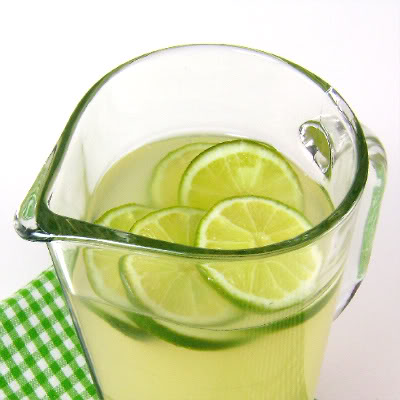 LimeadeConcentrate_for_St_Patrick's_Day_Round-Up